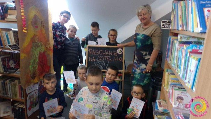 Pasowanie na czytelnika w Bibliotece w Trzemesznie Lubuskim