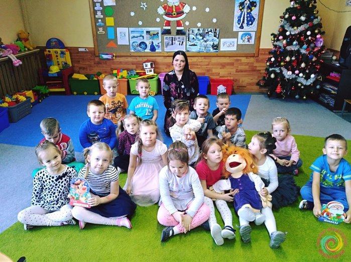 Czytanie na przedszkolnym dywanie - czytamy książeczki Urszuli Kozłowskiej